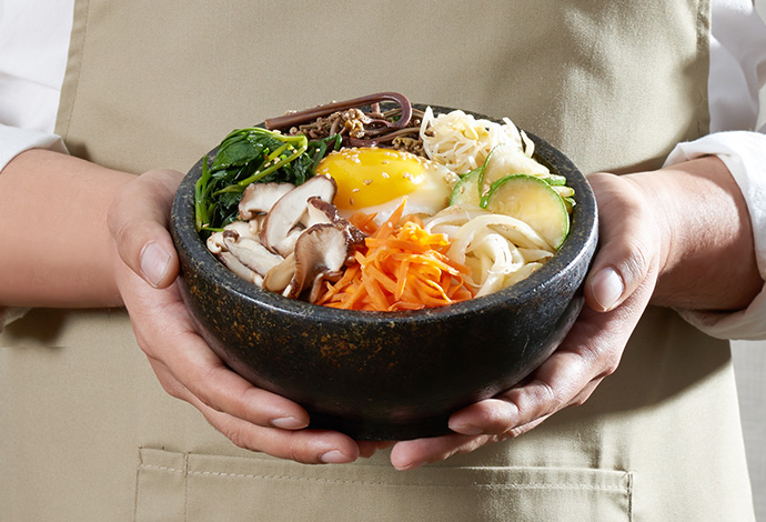 Bibimbap image of the whole stone pot