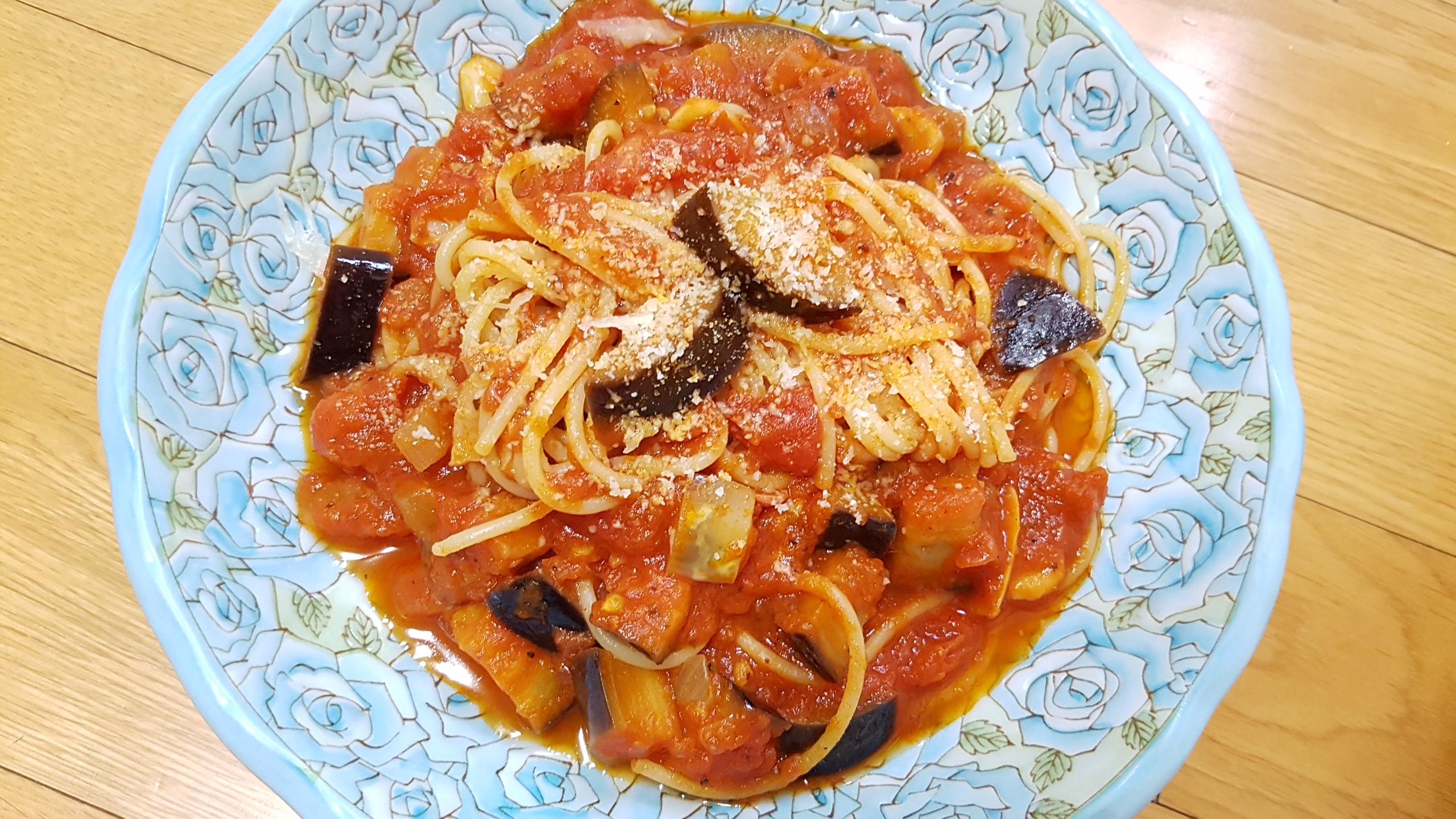 올리브유를 넣어만든 토마토스파게티