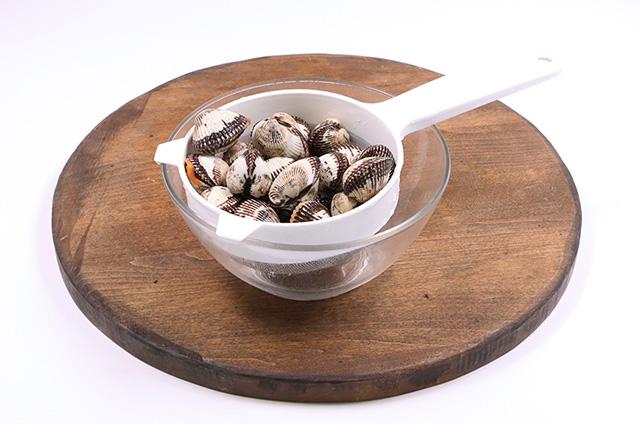 꼬막 열무 비빔 칼국수 준비하기 2단계 사진